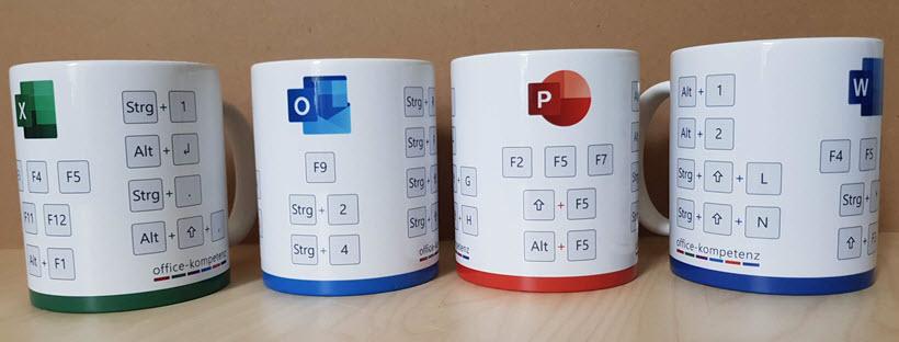 Blick auf die vier Office-Tassen